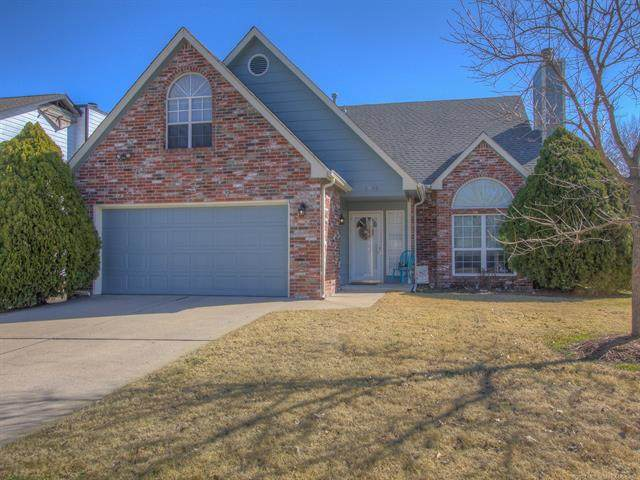 1901 S Gardenia Avenue, Broken Arrow, OK 74012 (MLS #2105615) :: House Properties