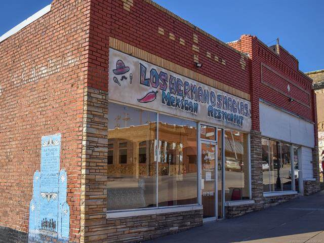 208 E Broadway Street, Drumright, OK 74030 (#2105697) :: Homes By Lainie Real Estate Group