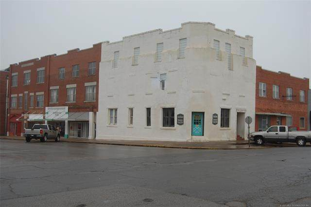 403 W Trudgeon Street, Henryetta, OK 74437 (MLS #2105881) :: 580 Realty