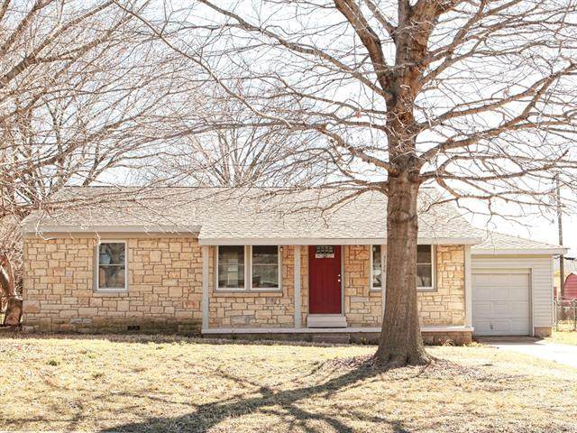 3726 E 2nd Place, Tulsa, OK 74112 (MLS #2105890) :: RE/MAX T-town