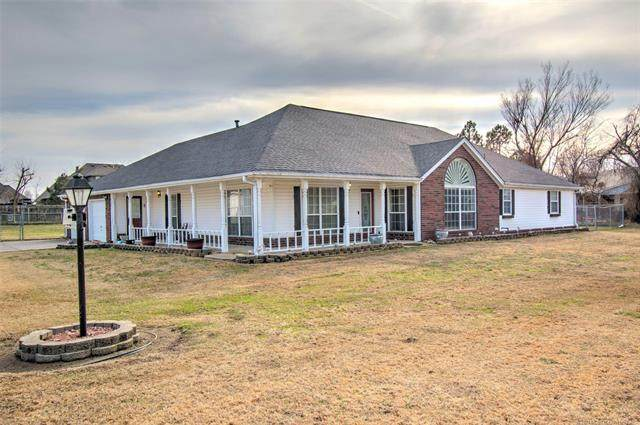 318 S Gladd Road, Fort Gibson, OK 74434 (MLS #2106301) :: Hopper Group at RE/MAX Results