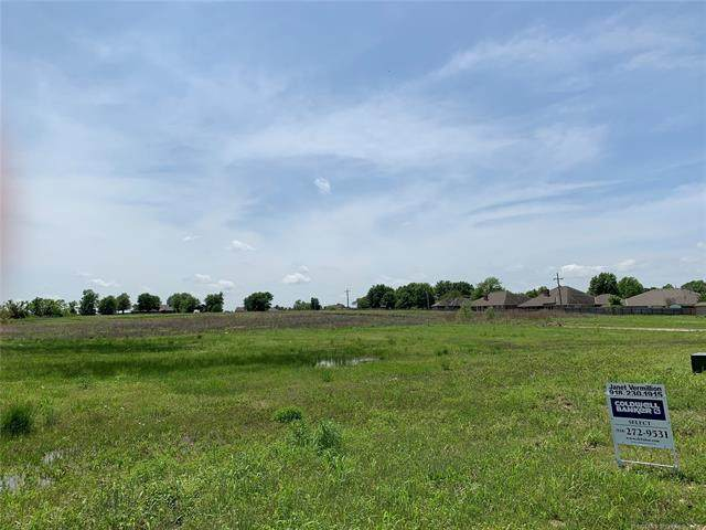 Ohio Court, Bartlesville, OK 74006 (MLS #2106839) :: Hopper Group at RE/MAX Results