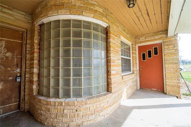 218 Wyandotte Street, Locust Grove, OK 74352 (MLS #2106952) :: RE/MAX T-town