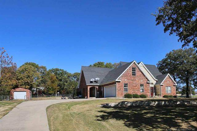 3911 Rolling Hills Drive, Ardmore, OK 73401 (MLS #2106959) :: Hopper Group at RE/MAX Results