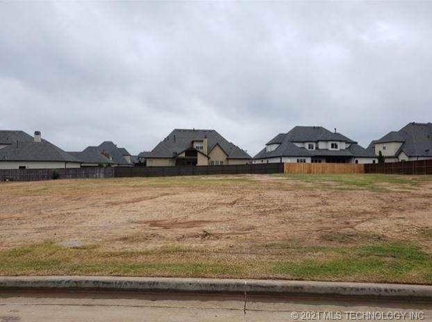 5721 W Vicksburg Street, Broken Arrow, OK 74011 (MLS #2107722) :: Owasso Homes and Lifestyle