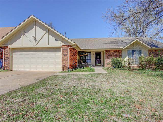 2404 W Canton Place, Broken Arrow, OK 74012 (MLS #2108628) :: Active Real Estate