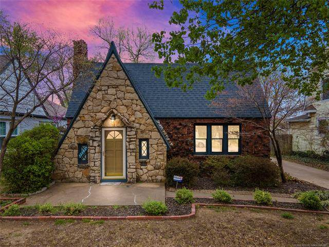 1143 S College Avenue, Tulsa, OK 74104 (MLS #2109288) :: Hopper Group at RE/MAX Results