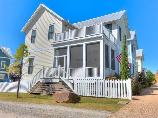 20 Redbud Lane D, Carlton Landing, OK 74432 (MLS #2109425) :: Owasso Homes and Lifestyle