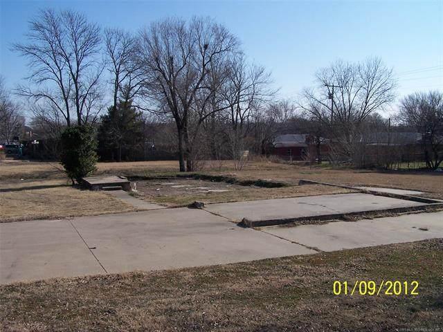 3801 Fairview Road, Bartlesville, OK 74006 (MLS #2109726) :: 918HomeTeam - KW Realty Preferred