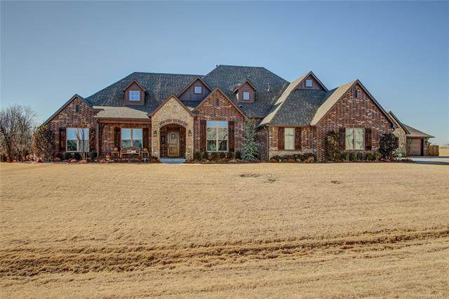14402 E 150th Street N, Collinsville, OK 74021 (#2109970) :: Homes By Lainie Real Estate Group