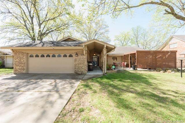 7016 E 50th Place, Tulsa, OK 74145 (MLS #2110252) :: Active Real Estate