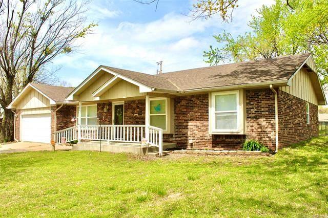1826 Coon Creek, Eufaula, OK 74432 (#2110332) :: Homes By Lainie Real Estate Group