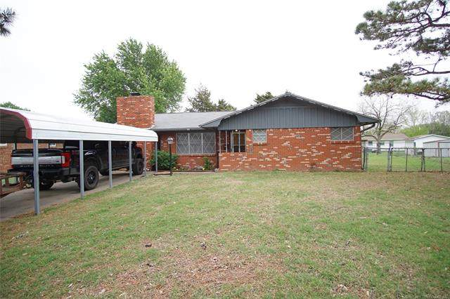 2014 N Spruce Drive, Mcalester, OK 74501 (#2110417) :: Homes By Lainie Real Estate Group