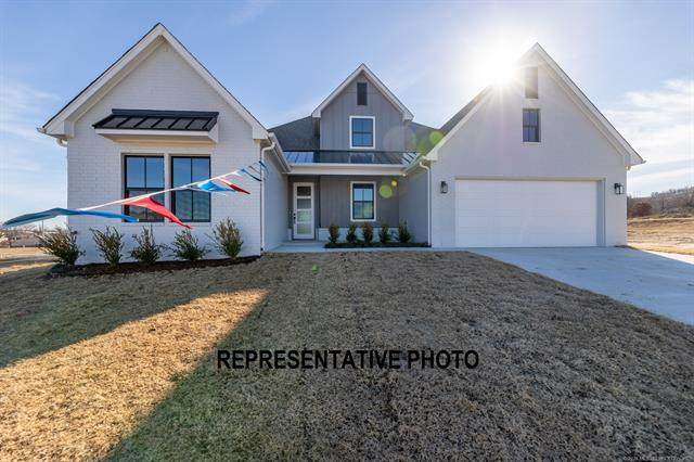 3050 N Briarwood Avenue, Catoosa, OK 74015 (MLS #2110485) :: Owasso Homes and Lifestyle
