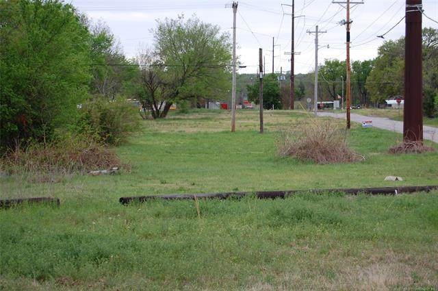214 N B. Street, Henryetta, OK 74437 (MLS #2110538) :: 918HomeTeam - KW Realty Preferred