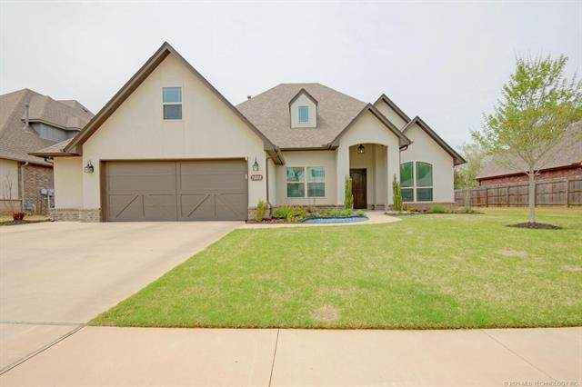 7008 S Chestnut Avenue, Broken Arrow, OK 74011 (MLS #2110702) :: Hopper Group at RE/MAX Results
