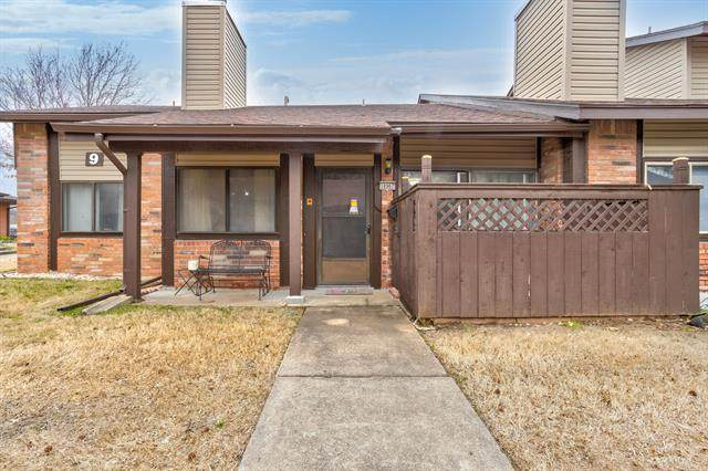 10907 E 11th Place #16, Tulsa, OK 74128 (MLS #2110706) :: 580 Realty