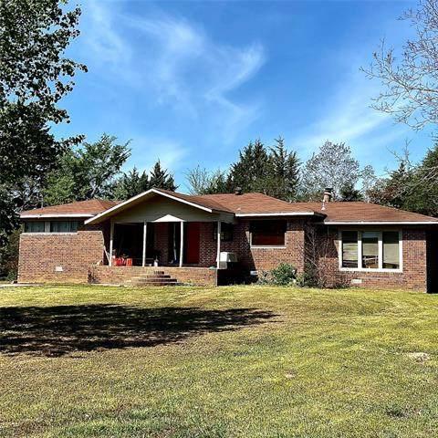1903 E Pryor Avenue, Pocola, OK 74902 (MLS #2110826) :: Active Real Estate
