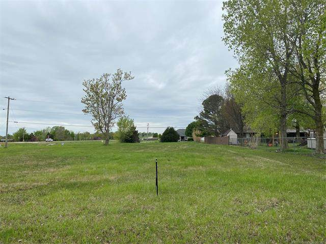11615 N 191st East East Avenue, Collinsville, OK 74021 (MLS #2110892) :: RE/MAX T-town