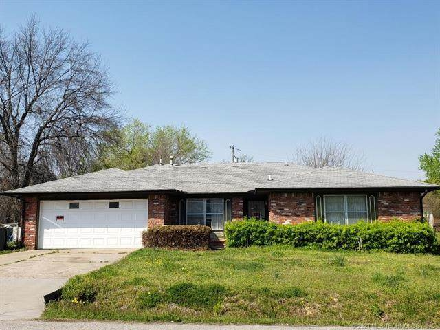 1731 E 31st Place N, Tulsa, OK 74110 (MLS #2111105) :: Active Real Estate