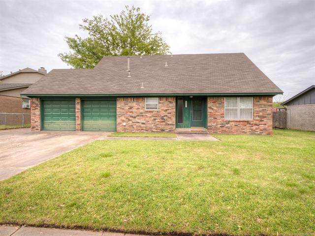 1713 S 5th Street, Broken Arrow, OK 74012 (MLS #2111228) :: Hopper Group at RE/MAX Results
