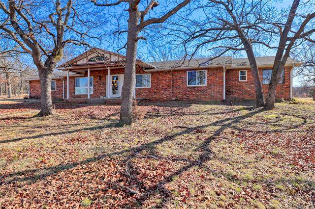 292 Blue Jay Circle, Mcalester, OK 74501 (#2111247) :: Homes By Lainie Real Estate Group