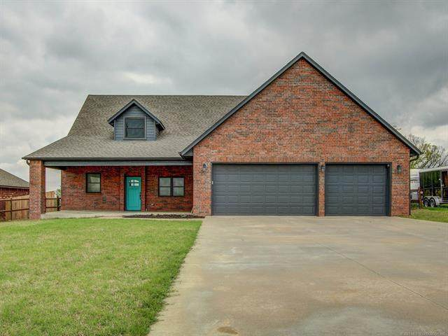 2191 S Osage Street, Skiatook, OK 74070 (MLS #2111256) :: Hopper Group at RE/MAX Results