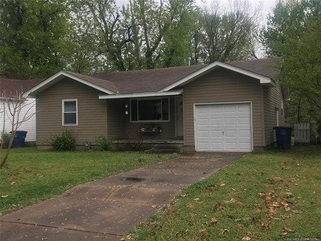 1030 E 38th Street, Tulsa, OK 74105 (MLS #2111293) :: Hopper Group at RE/MAX Results