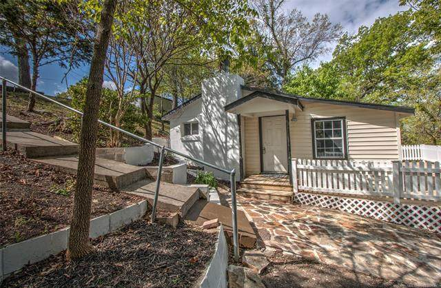 385 Twin Hills Road, Locust Grove, OK 74352 (MLS #2111320) :: 918HomeTeam - KW Realty Preferred