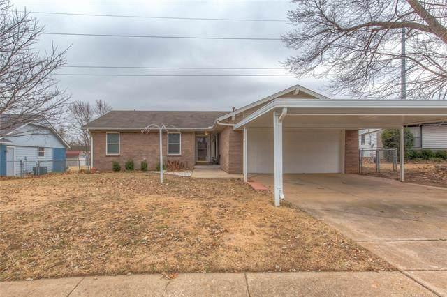 318 W 49th Street, Sand Springs, OK 74063 (MLS #2111329) :: Hopper Group at RE/MAX Results