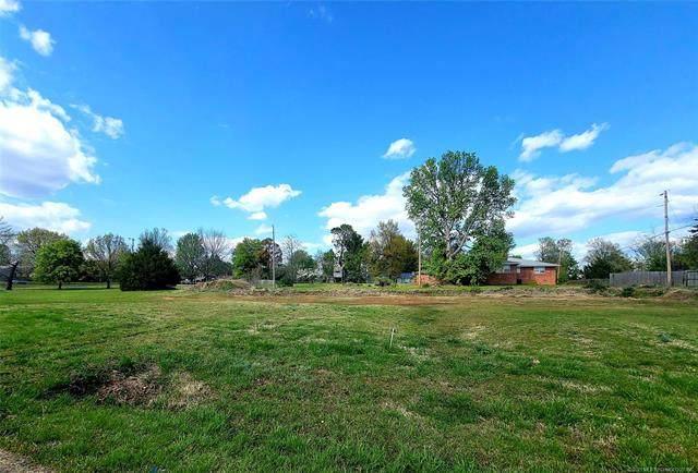 1427 E Scenic Bluff E, Cleveland, OK 74020 (MLS #2111529) :: Owasso Homes and Lifestyle