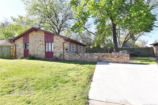 1920 E 51st Place, Tulsa, OK 74105 (MLS #2111530) :: 918HomeTeam - KW Realty Preferred