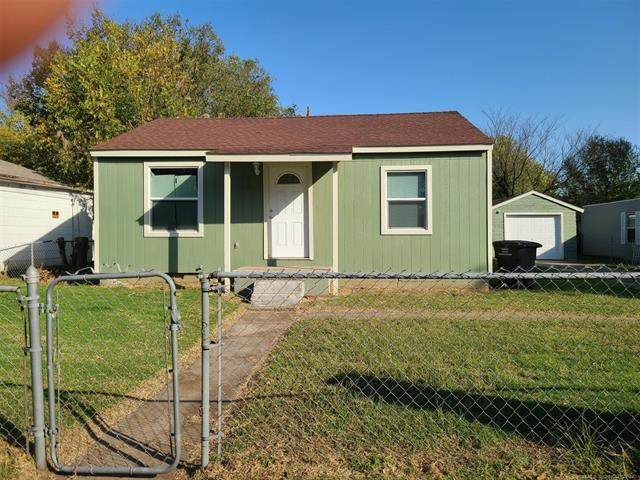 708 NW Lupa Street, Bartlesville, OK 74003 (MLS #2111572) :: Active Real Estate