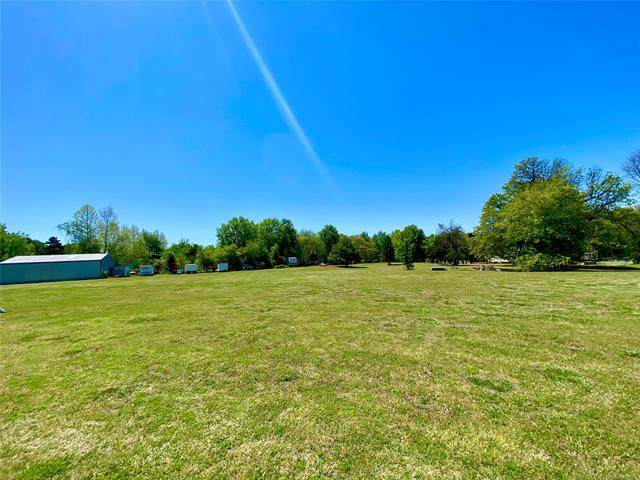 1 Parker Drive, Eufaula, OK 74432 (MLS #2111763) :: Active Real Estate