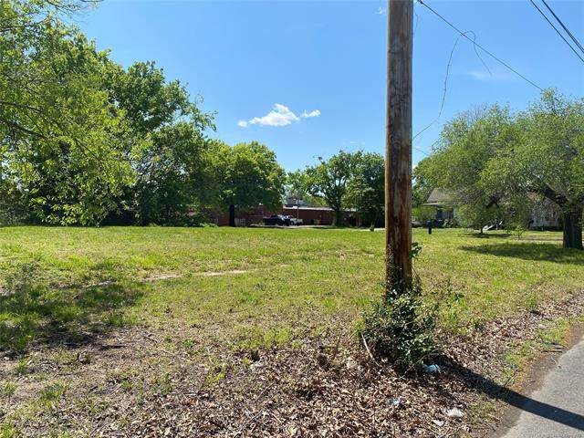 11th, Muskogee, OK 74401 (MLS #2111789) :: Owasso Homes and Lifestyle