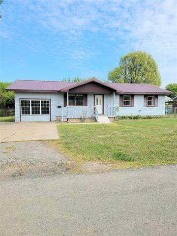 705 NW 8th Street, Checotah, OK 74426 (#2112115) :: Homes By Lainie Real Estate Group