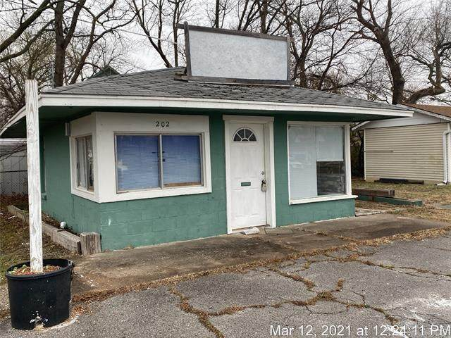 202 Osage Avenue - Photo 1