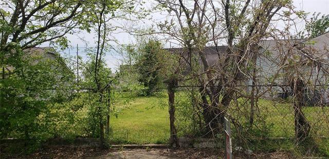 1014 E Pine Place, Tulsa, OK 74106 (MLS #2112279) :: 918HomeTeam - KW Realty Preferred