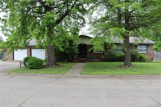 2124 Pickens Street, Muskogee, OK 74401 (MLS #2112709) :: 918HomeTeam - KW Realty Preferred