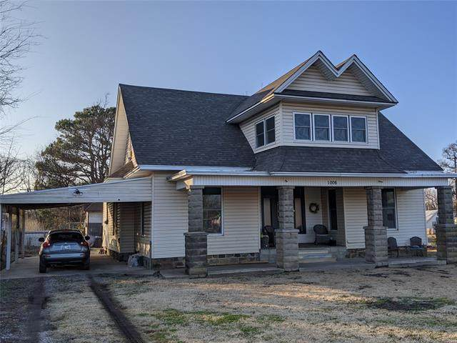 1006 S Mcquarrie Avenue, Wagoner, OK 74467 (#2112869) :: Homes By Lainie Real Estate Group