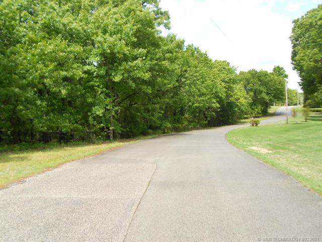 8 Lakeview Drive, Sand Springs, OK 74063 (MLS #2112934) :: Active Real Estate