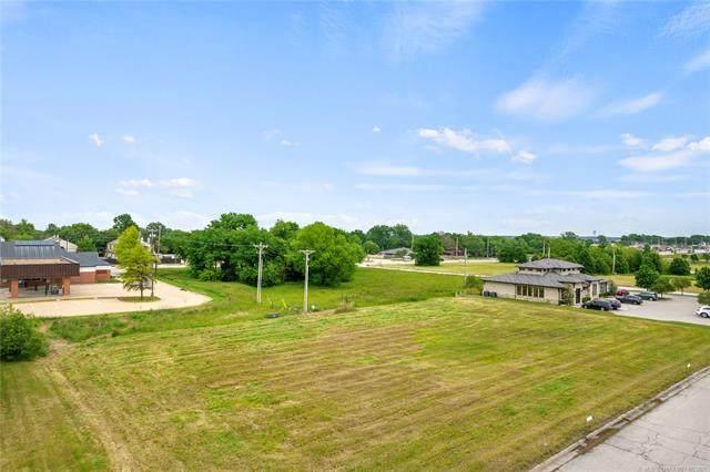 E 61st Street, Tulsa, OK 74136 (MLS #2113048) :: Active Real Estate