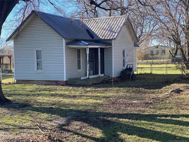 417 Shawnee Street, Lenapah, OK 74042 (#2113119) :: Homes By Lainie Real Estate Group