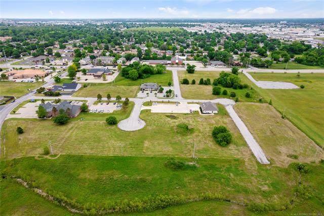 61st Street, Tulsa, OK 74136 (MLS #2113171) :: Active Real Estate