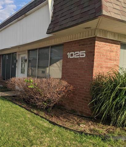 1025 1st Street, Pryor, OK 74361 (MLS #2113217) :: Owasso Homes and Lifestyle