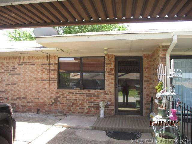 1702 S Cedar Loop, Ardmore, OK 73463 (MLS #2113245) :: Active Real Estate