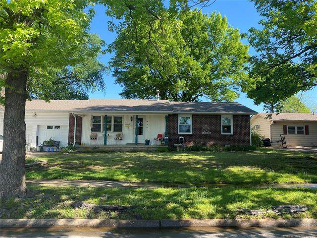 2512 Dakota, Muskogee, OK 74403 (MLS #2113268) :: Owasso Homes and Lifestyle