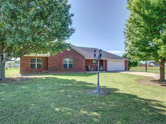 15474 N 89th East Avenue, Collinsville, OK 74021 (#2113344) :: Homes By Lainie Real Estate Group