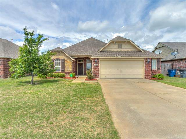 17913 E 46th Street, Tulsa, OK 74134 (#2113369) :: Homes By Lainie Real Estate Group