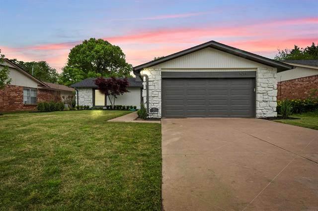 1011 E 43rd Street, Tulsa, OK 74105 (#2113380) :: Homes By Lainie Real Estate Group